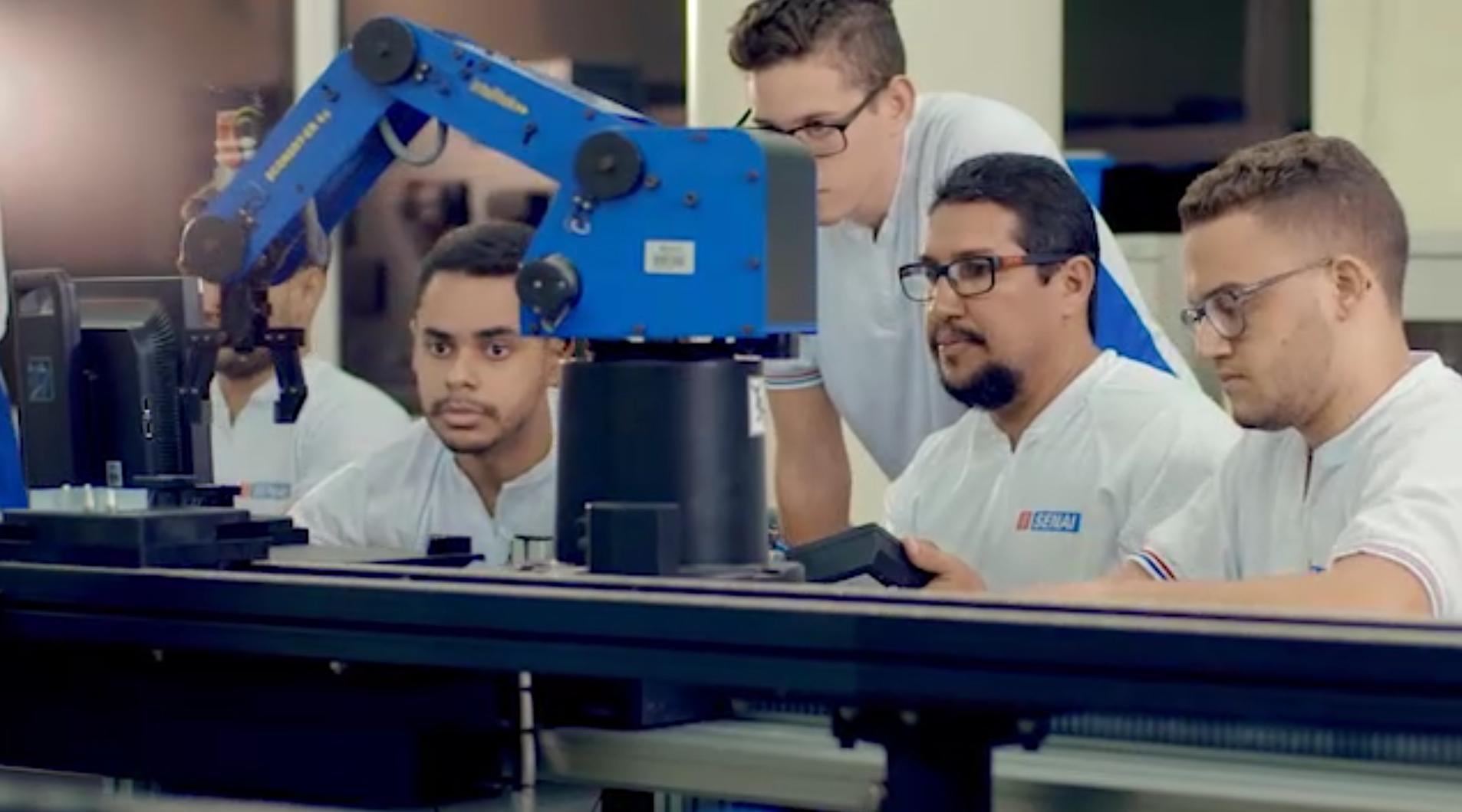 Industria pernambucana valorizada em campanha criada pela Aliança Comunicação e Cultura para o Sistema Fiepe