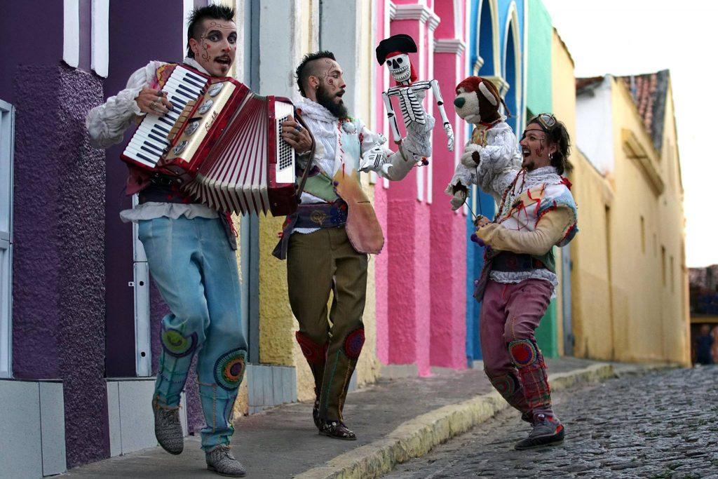 Teatro de Minerva Bonecos do Mundo Aliança Comunicação e Cultura
